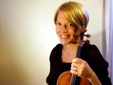 Sarah_Ringer_violin_headshot_225.jpg